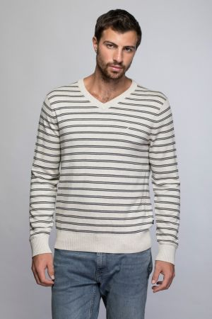 STRIPED VNECK